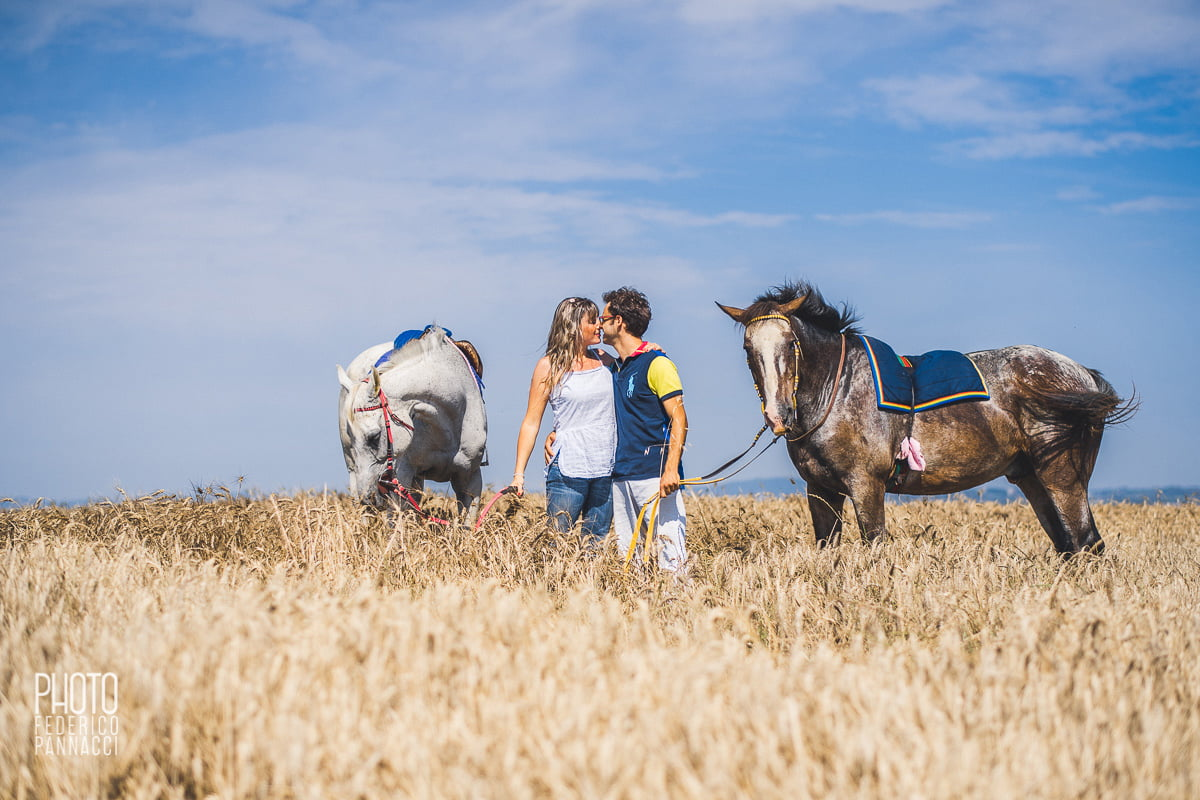 Engagement in Tuscany, Engagement by Horses Nearby Castello di Leonina