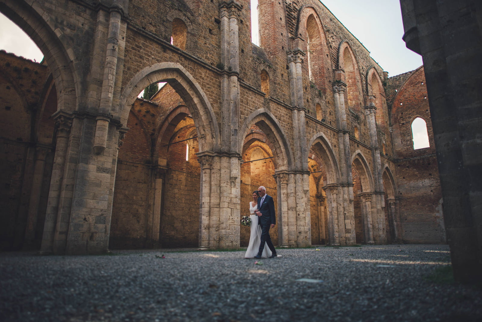 027-wedding-tuscany-san-galgano-siena-photographer