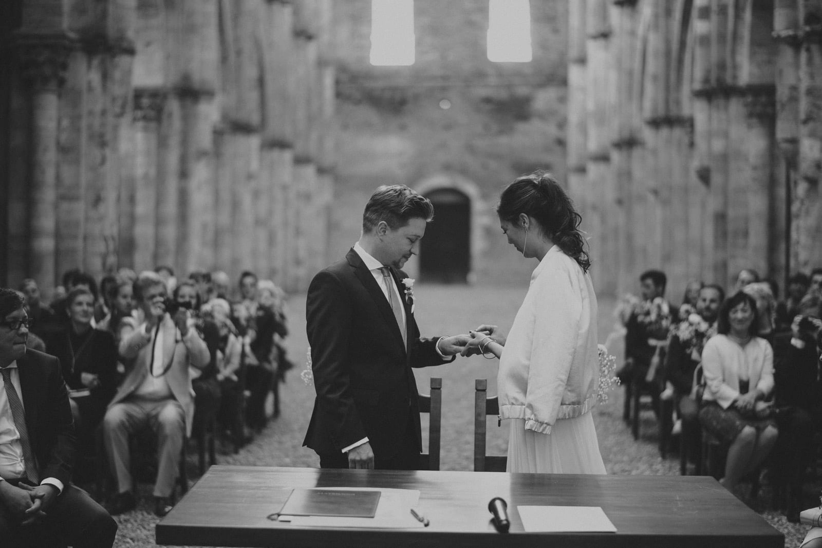 044-wedding-tuscany-san-galgano-siena-photographer