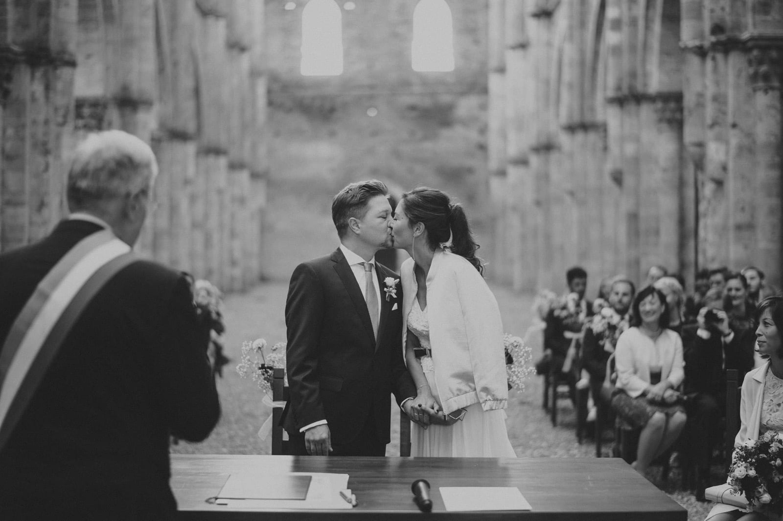 045-wedding-tuscany-san-galgano-siena-photographer