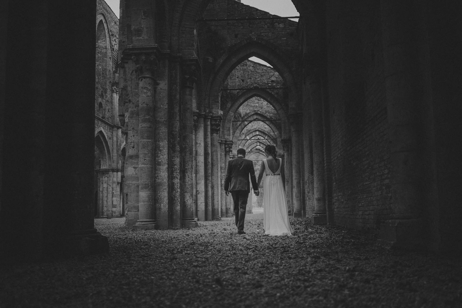 072-wedding-tuscany-san-galgano-siena-photographer