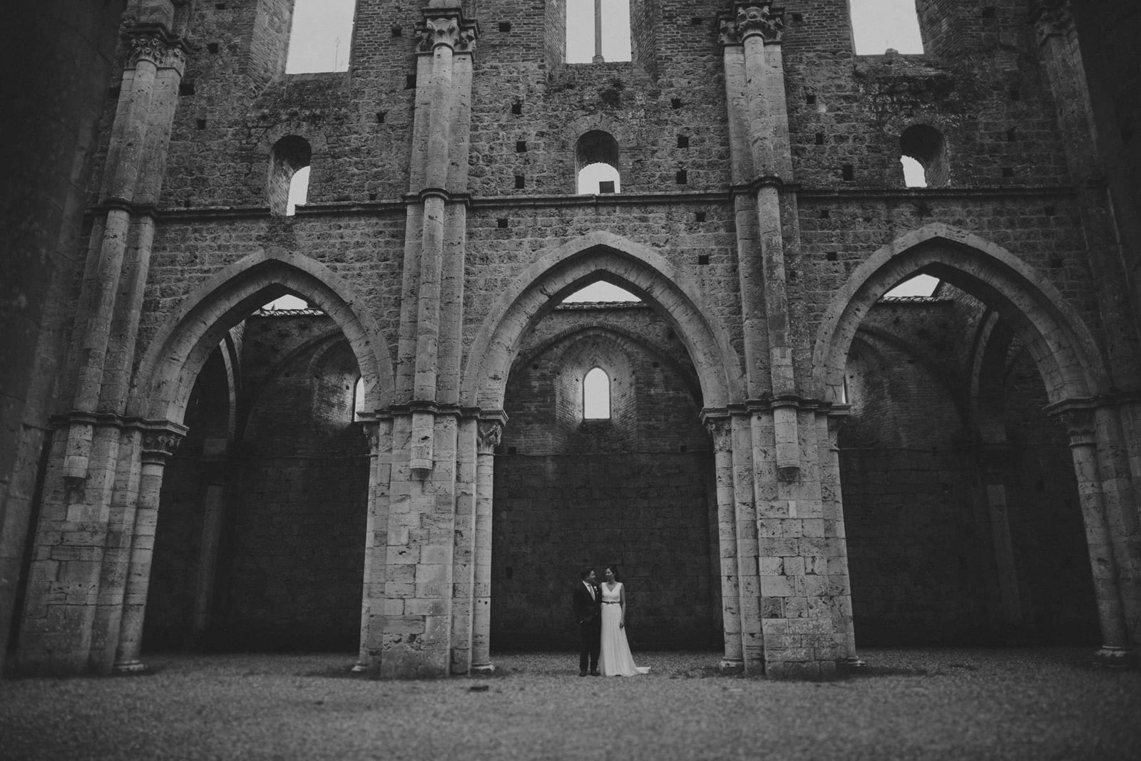074-wedding-tuscany-san-galgano-siena-photographer