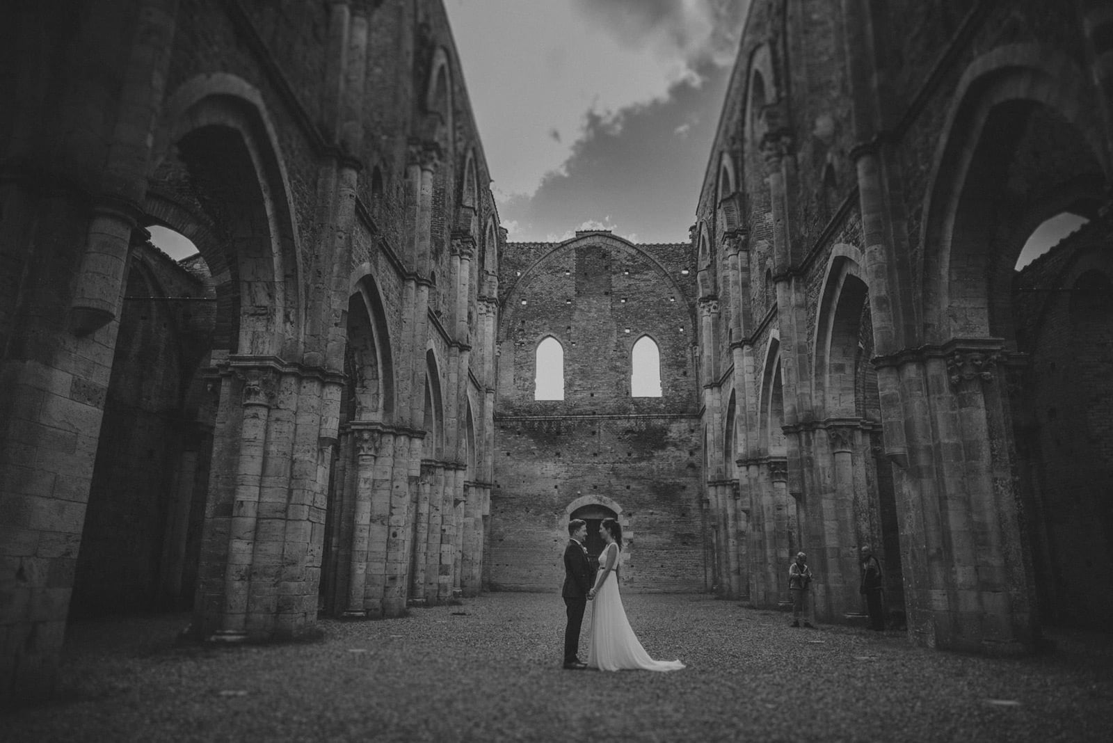 078-wedding-tuscany-san-galgano-siena-photographer