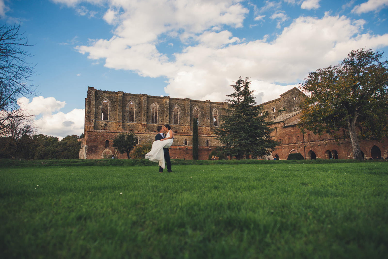 081-wedding-tuscany-san-galgano-siena-photographer