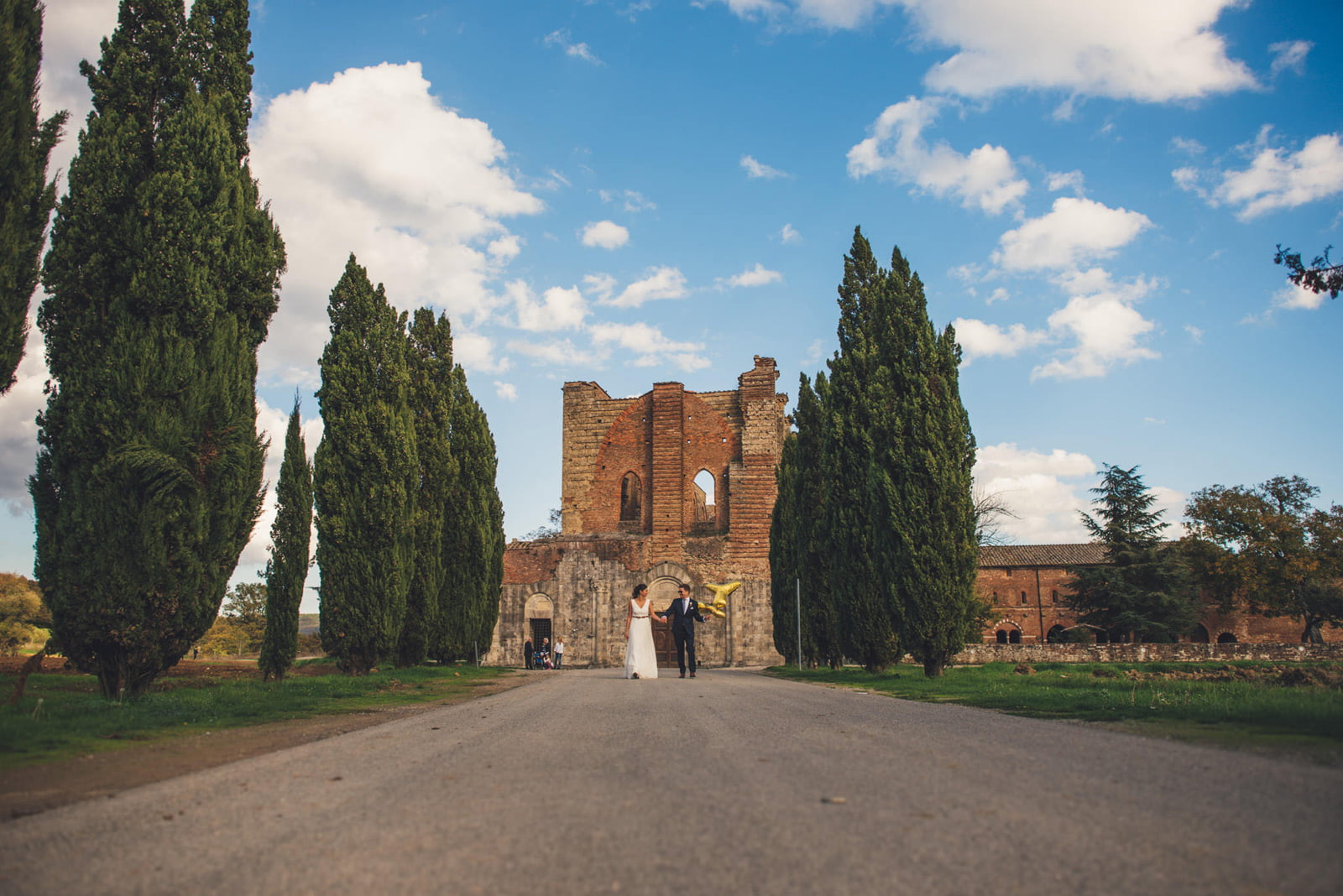 083-wedding-tuscany-san-galgano-siena-photographer